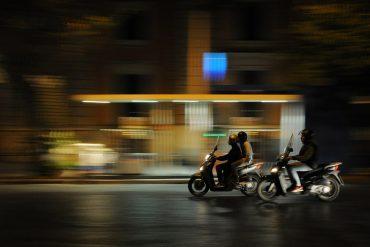 rouler moto de nuit